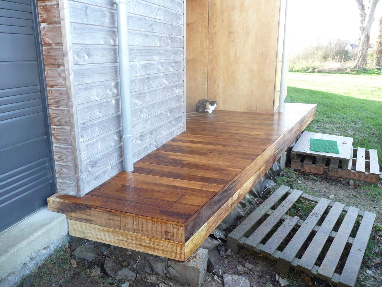 notre maison en bois terrasse bois entr e. Black Bedroom Furniture Sets. Home Design Ideas