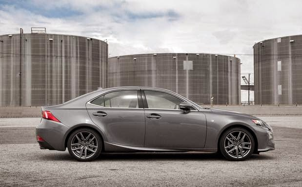 2016 Lexus IS Price, Space and Reviews
