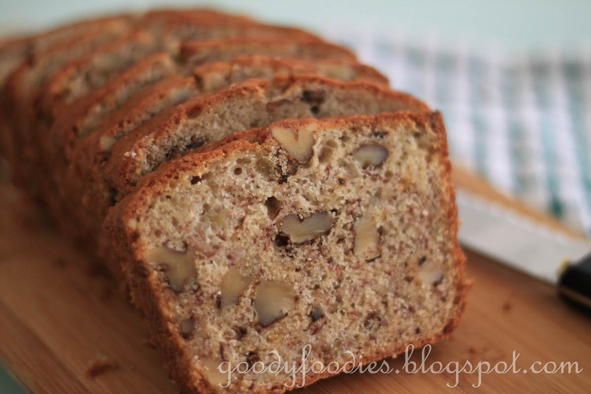 Easy Banana Walnut Cake Recipe