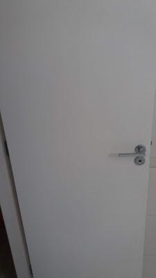 Pintura de porta com esmalte a base de solvente SP