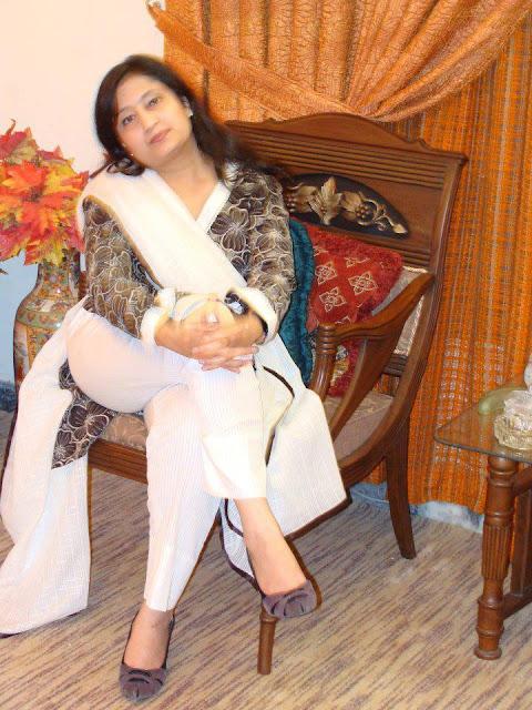 Desi Chikni thighs