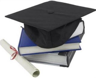 العلاقة بين الطالب والأستاذ الجامعي