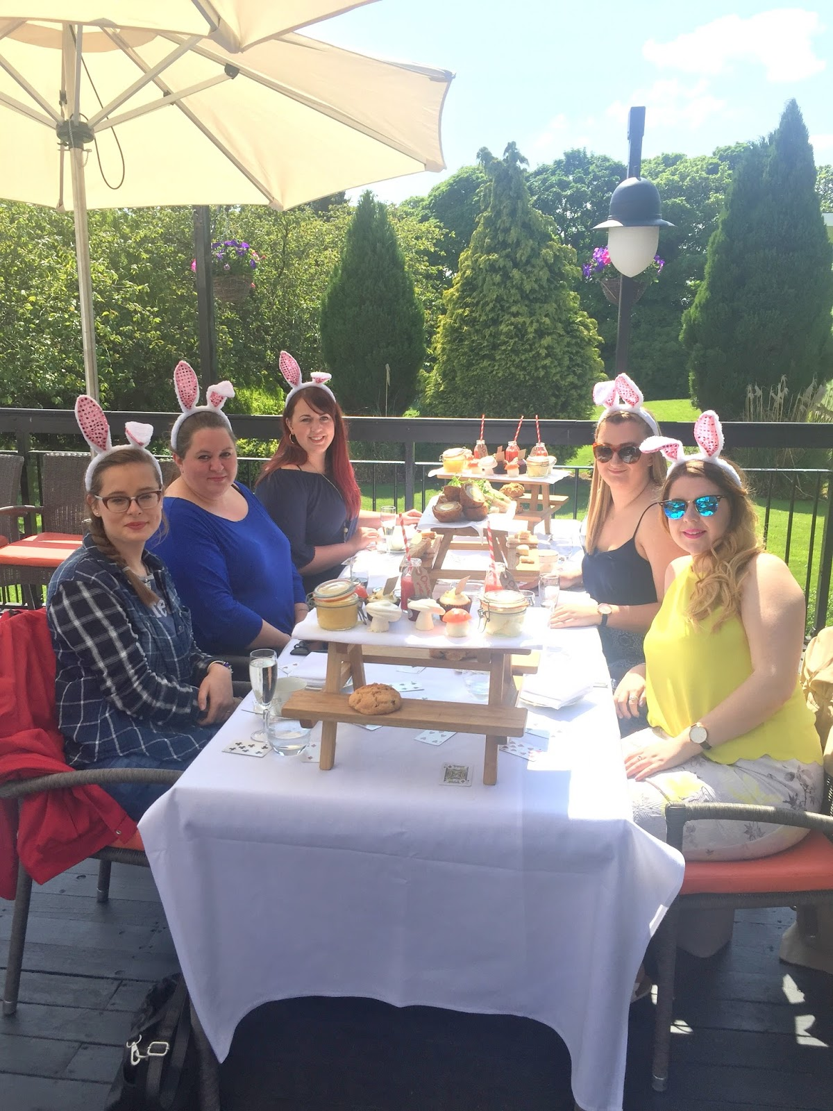 Alice in Wonderland Afternoon Tea || Hallmark Hotel Review