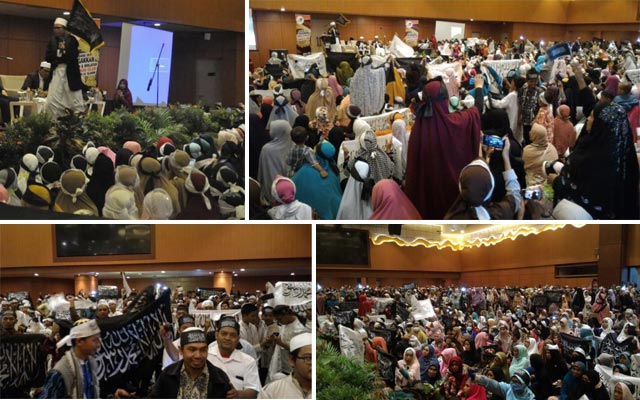 """Wahai para hadirin apa yang ada dalam benak anda, apakah ini bendera teroris, pemecah belah NKRI?,"" cetus Ustadz Wahyudi Ibnu Yusuf seraya mengangkat panji Rasulullah berwarna hitam melontarkan pertanyaan saat bicara di hadapan ribuan peserta tabligh akbar Masirah Panji Rasulullah yang digelar DPD I Hizbut Tahrir Indonesia Kalimantan Selatan di Golden Tulip Galaxy Hotel, Banjarmasin, Minggu (16/4/2017)."