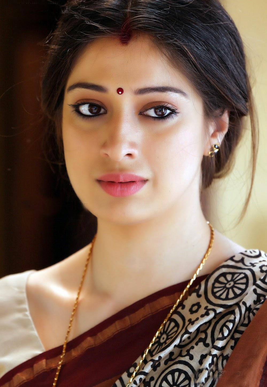 Tamil Actress Raai Laxmi Hot Pics HD | Raai Laxmi Images
