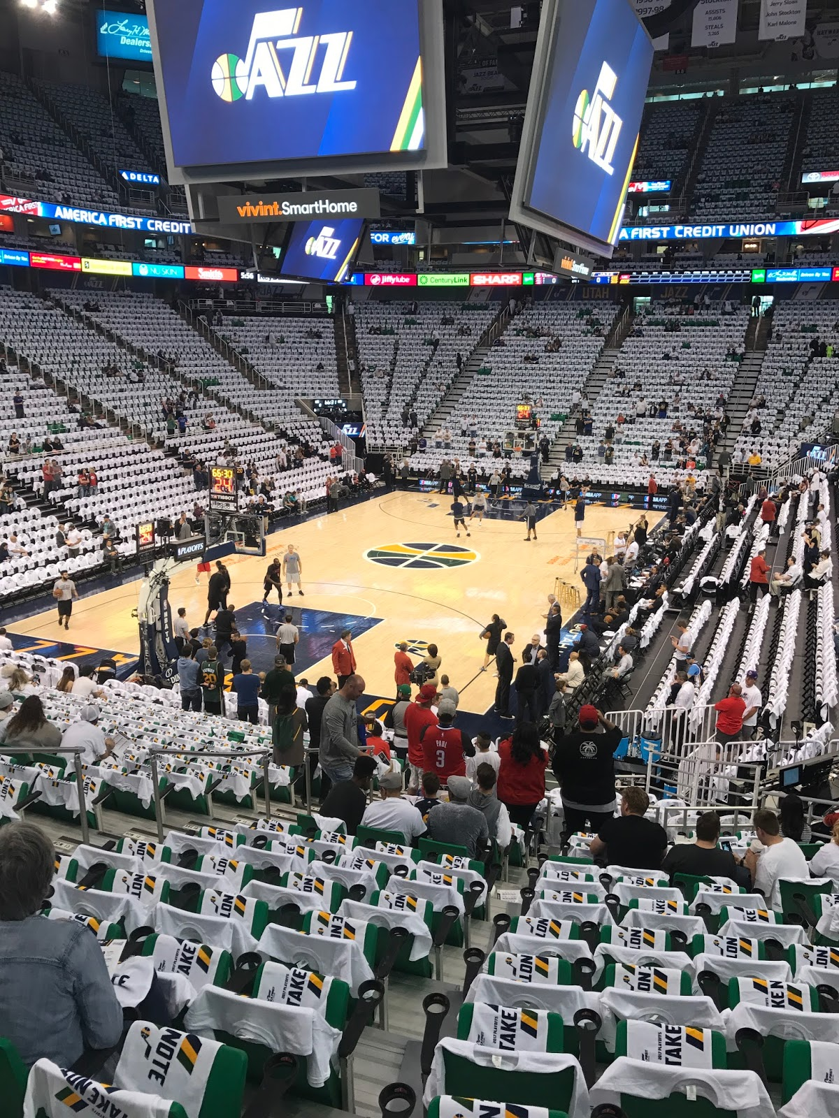 What a home court advantage the Jazz have. I ve been to one other playoff  game (last year Celtics v. Hawks at the TD Garden) and Vivint Smart Home  Arena ... 8f821bd78