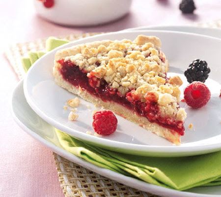 Red fruit crumble with raspberry brandy recipe -Taste USA