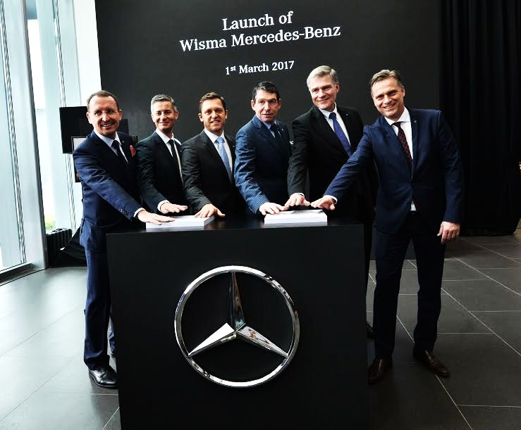 Motoring malaysia mercedes benz malaysia officially opens for Mercedes benz corporate office