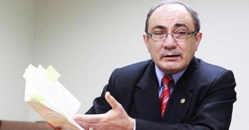 El Currículo Nacional debe incluir la equidad de género (Idel Vexler Talledo) MINEDU - www.minedu.gob.pe