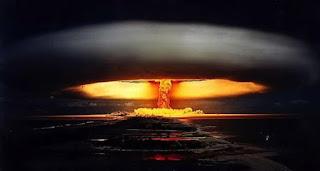 Πρώην αστροναύτης της NASA αποκαλύπτει: Τον πυρηνικό πόλεμο στη Γη σταμάτησαν οι…