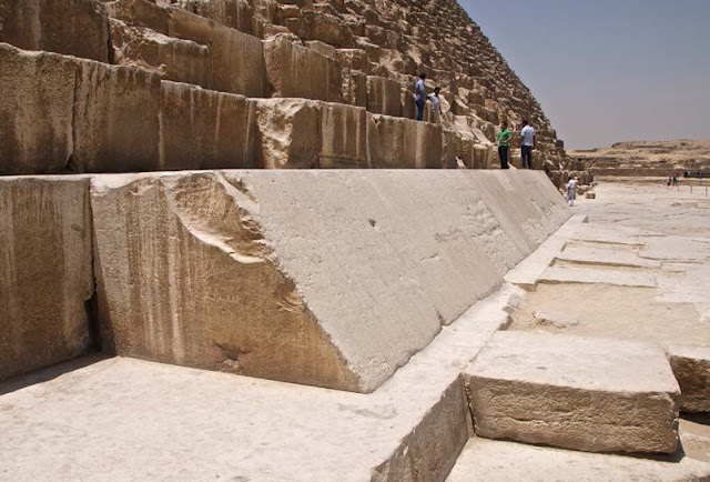 Great Pyramid of Giza found to be slightly lopsided