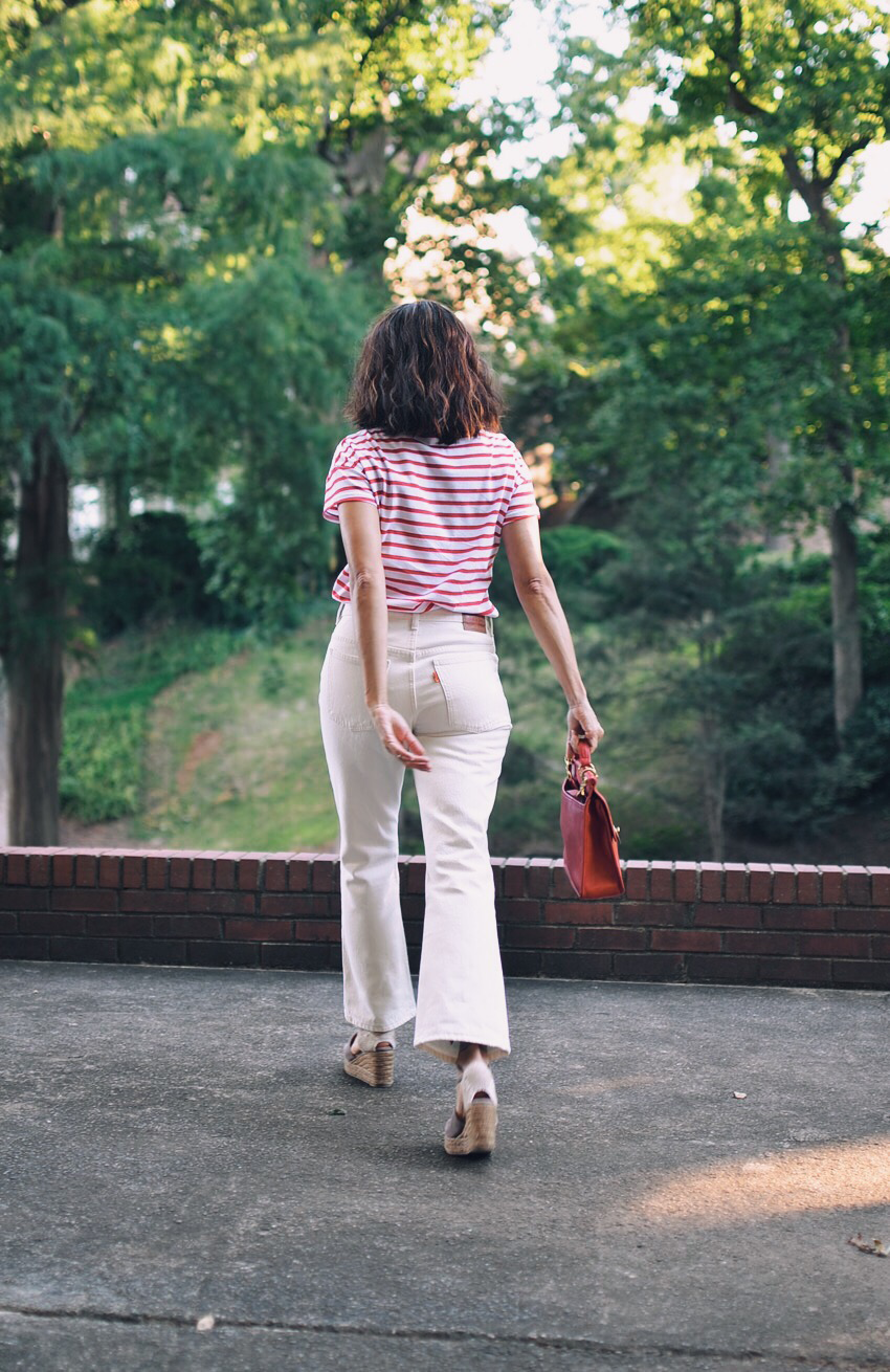 White cropped jeans street style
