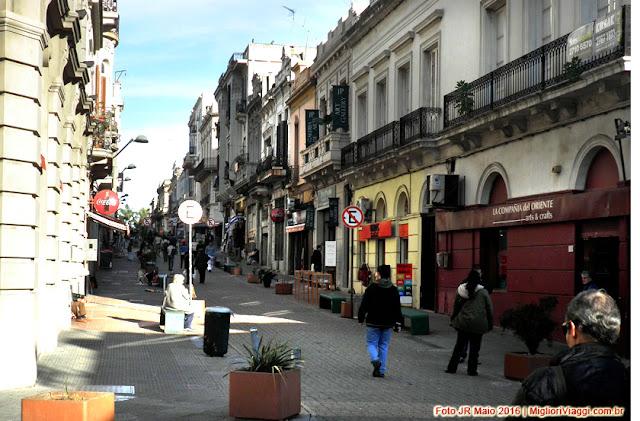 Rua de pedestres junto ao Mercado del Puerto