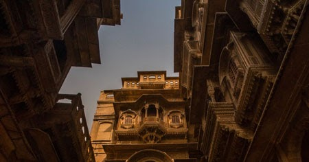 Patwaon ki Haveli in Jaisalmer - Rajasthani architecture at it's best!