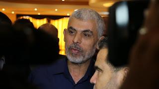 خروج السنوار من قطاع غزة الى القاهرة للبحث في عدد من القضايى