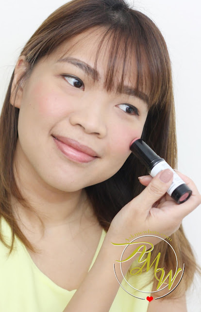 a photo of askmewhats nIkki tiu wearing Revlon Insta-Blush Review in shade Berry Kiss.