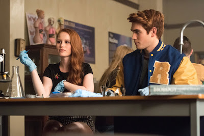 Madelaine Petsch and K.J. Apa in Riverdale (28)