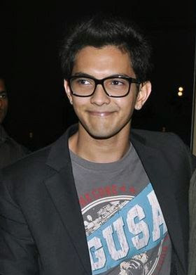 Aditya Narayan Wiki, Height, Weight, Age, Wife, Family and Biography