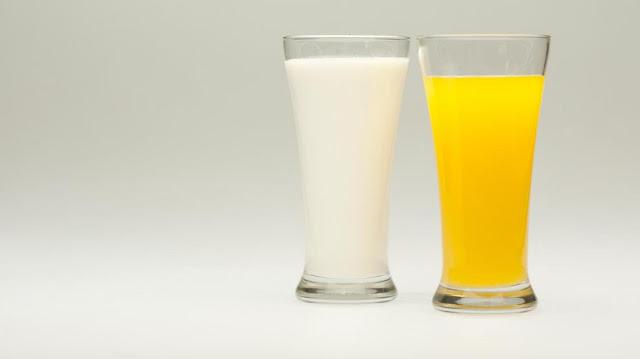 Jus jeruk atau susu untuk sarapan