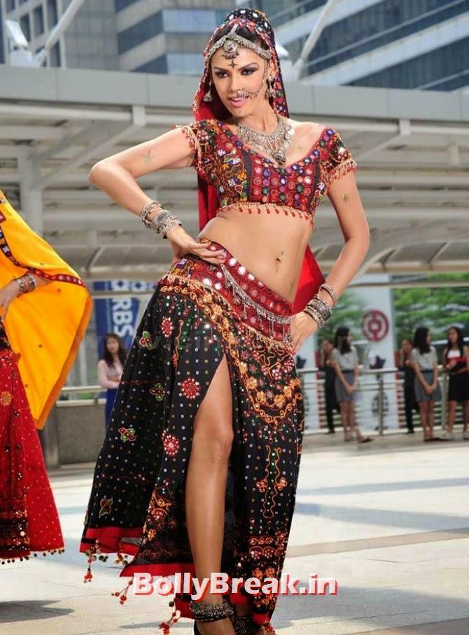 Gabriela Bertante in Devudu Chesina Manushulu, Hot Stills from Item Songs of Telugu, Tamil South Indian Cinema