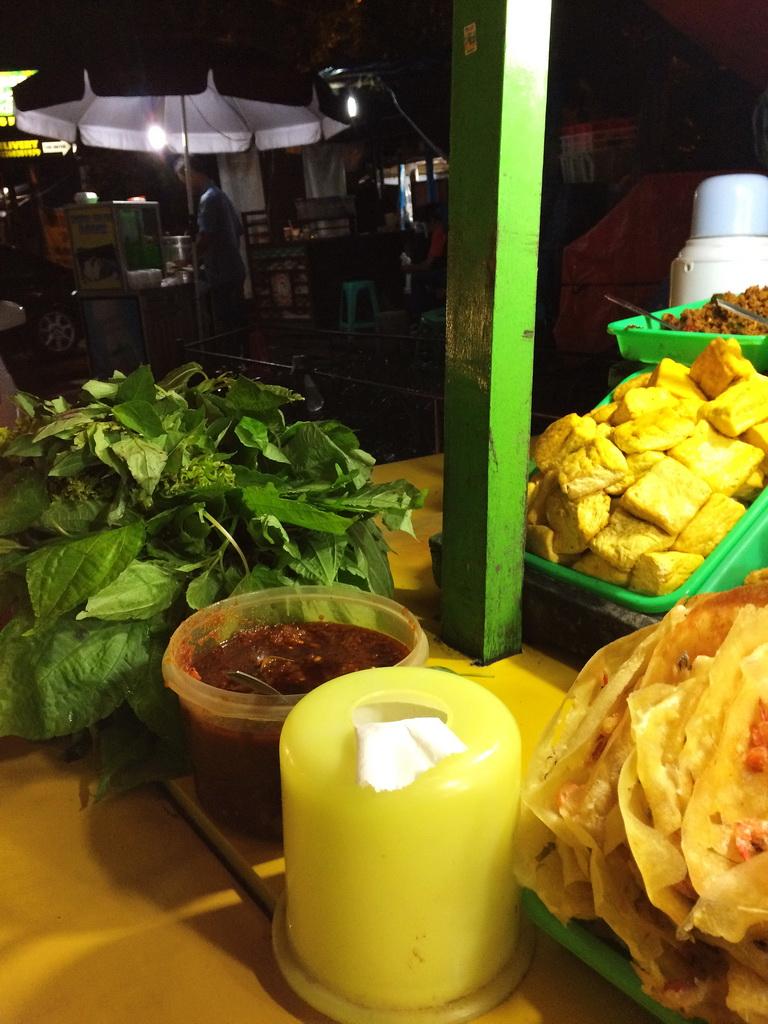 Ikutilangkahkaki Travel Social Food Menyantap Lalapan