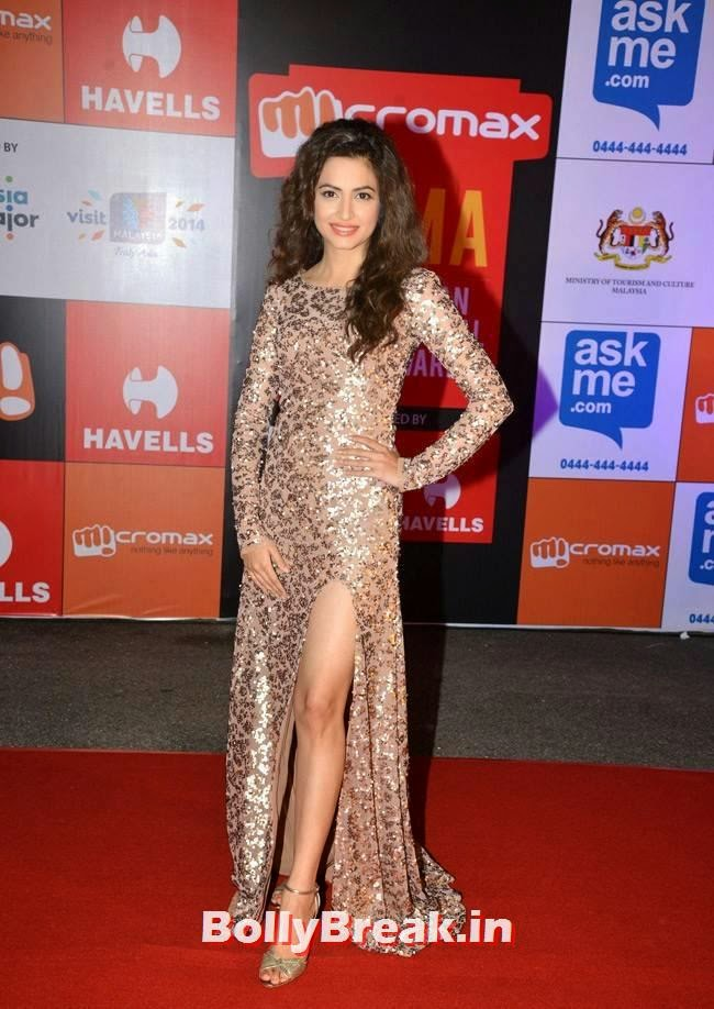 Kriti Kharbanda hot legs, Kriti Kharbanda in shimmer Gown at SIIMA Awards 2014