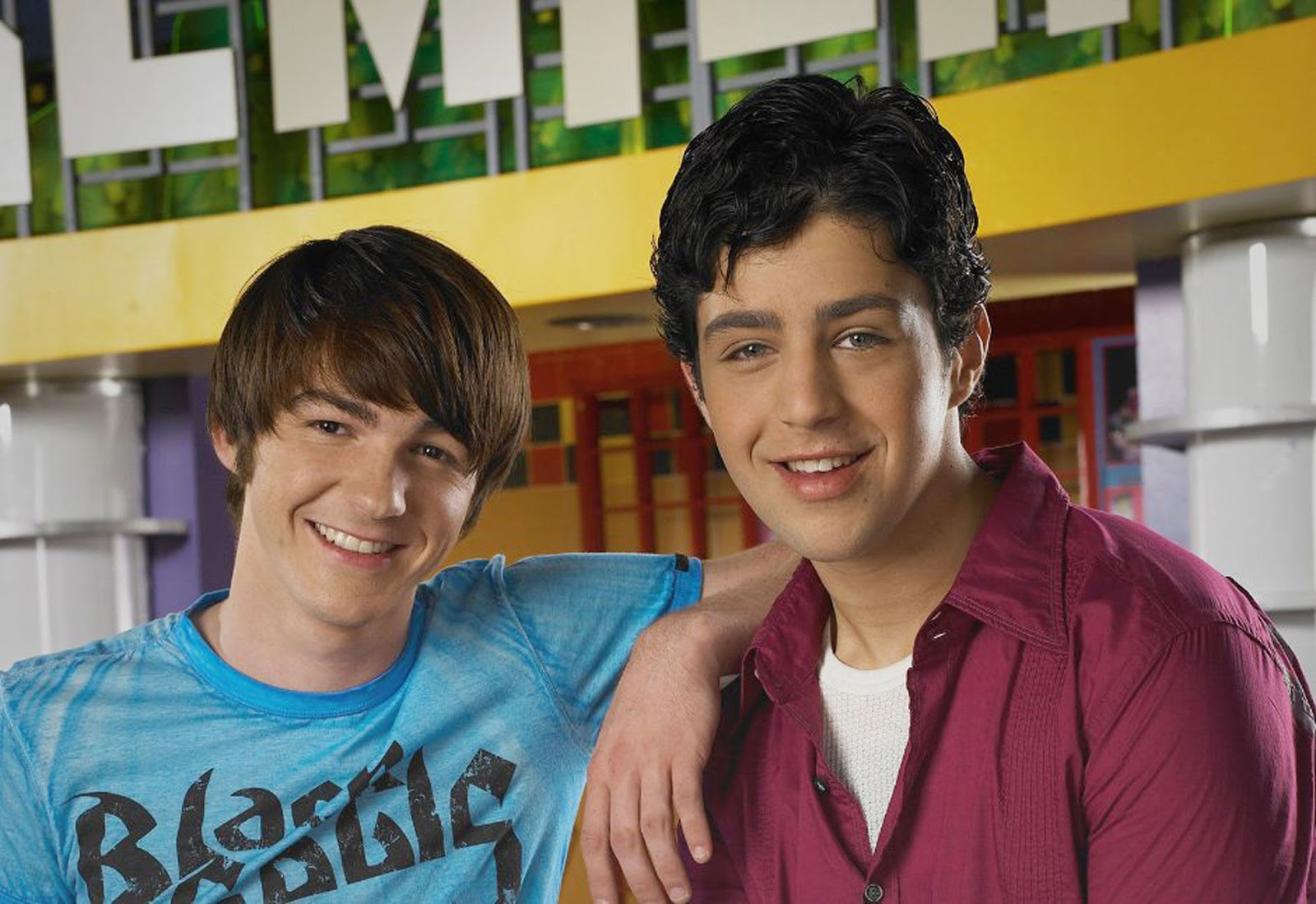 NickALive!: Drake Bell and Josh Peck Have 'Discussed the ...