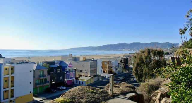 santa monica ocean avenue colored houses