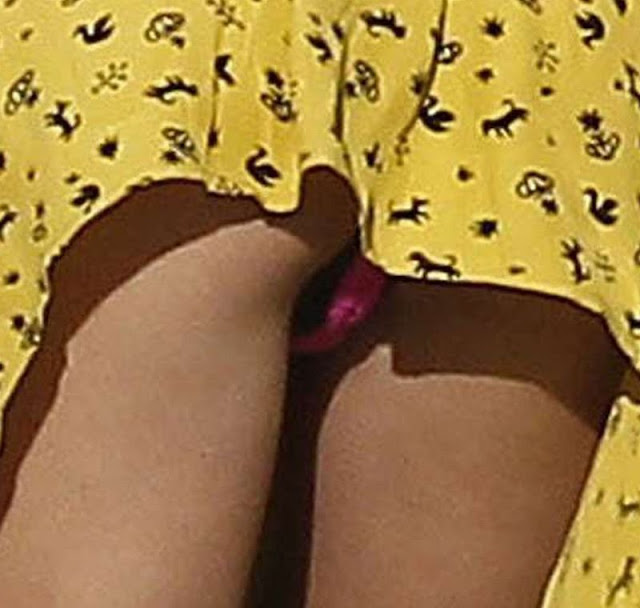 Selena gomez hot upskirt