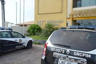 http://vnoticia.com.br/noticia/2727-homem-e-flagrado-se-masturbando-dentro-de-taxi-em-sfi