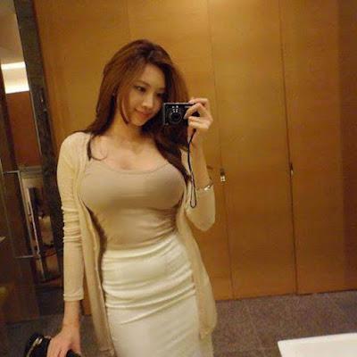 http://www.ceritaseksterbaru.com/2016/08/06/pembatu-yang-sexy-bahenol/