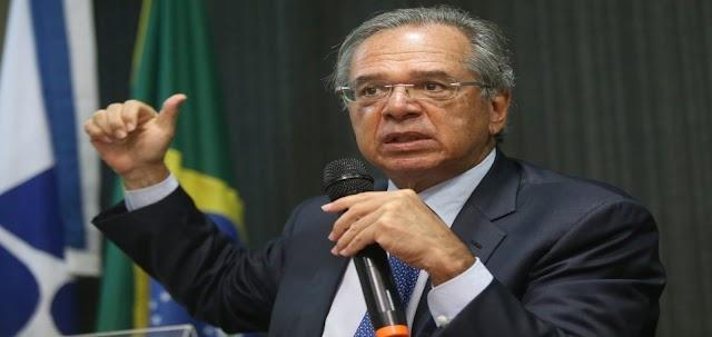 Paulo Guedes diz que economia pode entrar em colapso