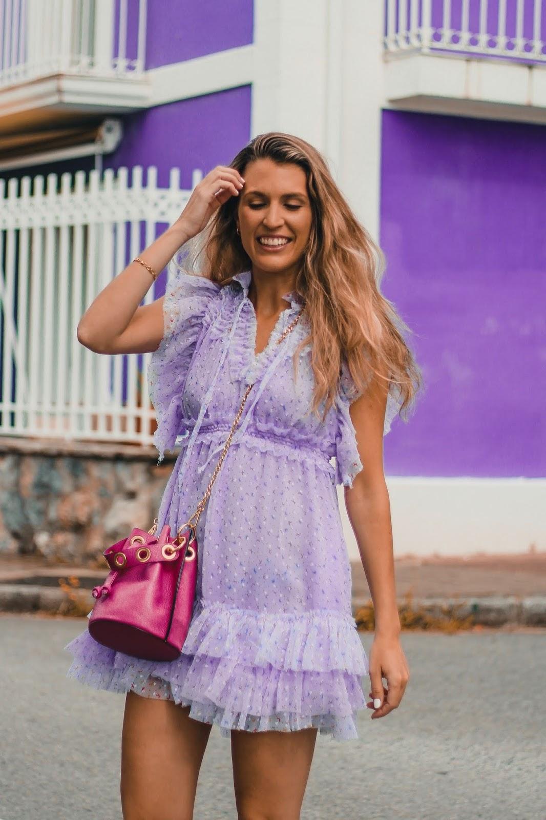 vestido lila corto