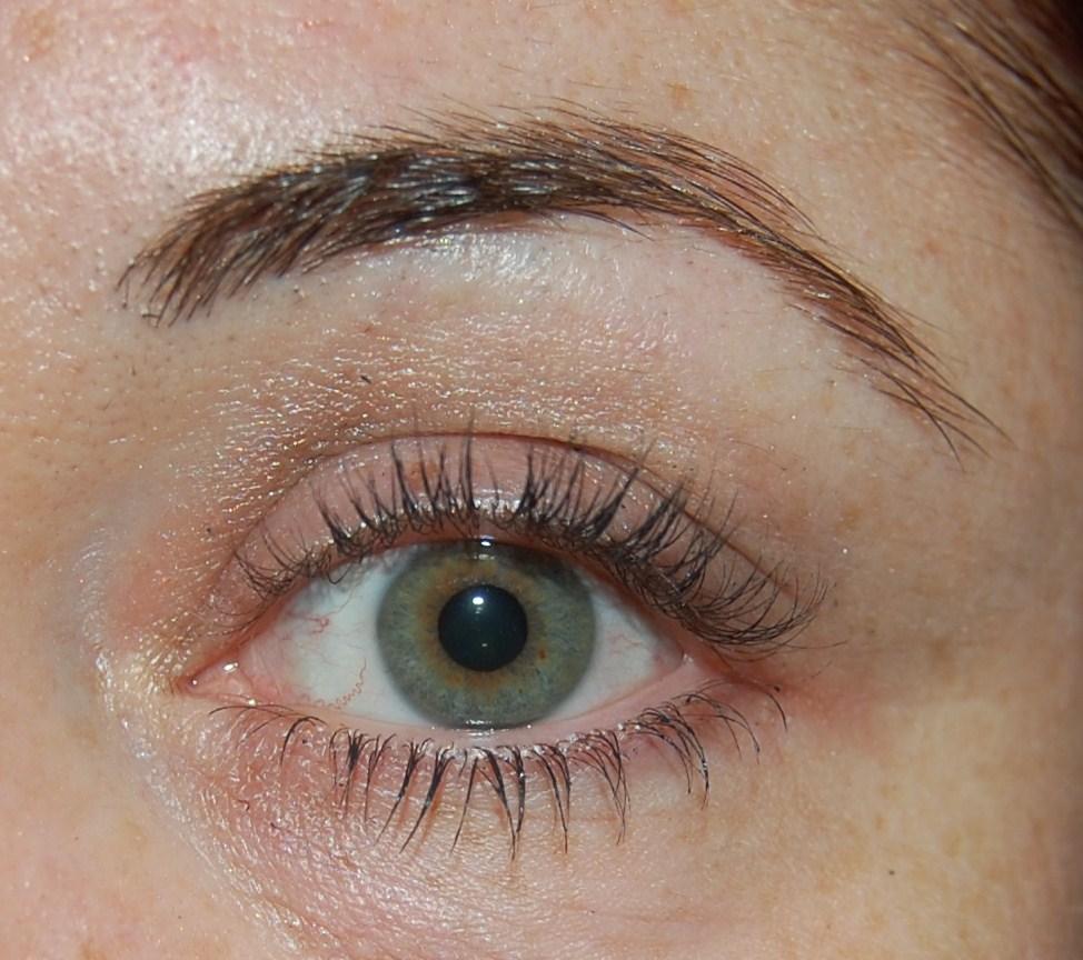 fd0646955cc Lipstick Fridays - Beauty Blog: Clinique Bottom Lash Mascara