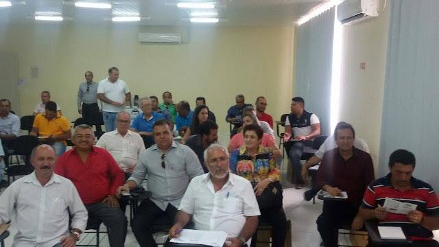Piranhas sedia encontro de prefeitos e prefeita Maristela avisa que o Sertão está unido para enfrentar as dificuldades