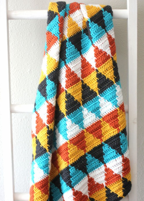 Crochet Triangle Blanket - Free Pattern
