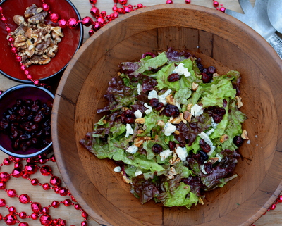 Festive Holiday Salad, another simple, seasonal salad ♥ AVeggieVenture.com