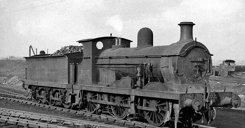 Q1 33014 AT THREE BRIDGES SHED 1963 BRITISH RAIL RAILWAY STEAM PHOTO 1960/'S