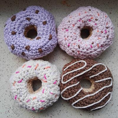 Crochet donuts/ Szydełkowe pączki