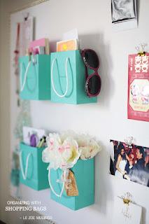 riciclare le buste di carta della spesa per organizzare la casa