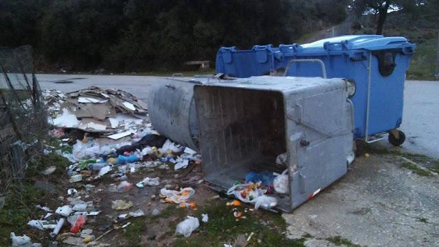 Ηγουμενίτσα: Διαμαρτυρίες κατοίκων του Καστρίου για τα σκουπίδια (+ΦΩΤΟ)