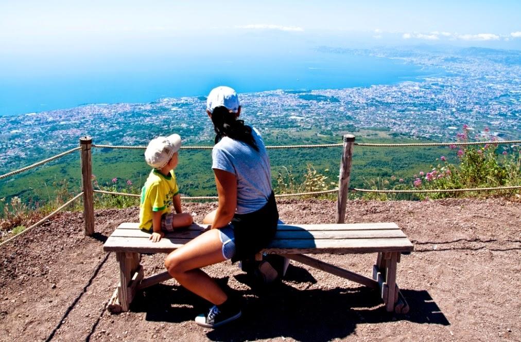 wezuwiusz, wulkan,  wakacje z dzieckiem, dojazd na wezuwiusz, wezuwiusz z dzieckiem, wycieczka na wezuwiusz