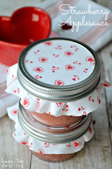 Strawberry Applesauce - would make a delicious homemade Valentine's Day gift!