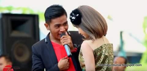 Lirik Lagu Kasih Tak Sampai Dangdut - Gery Mahesa dan Tasya