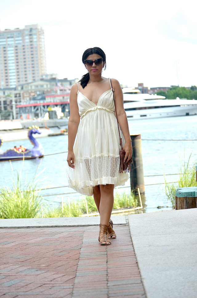 Wearing: Dress/Vestido: SheIn Gladiators Sandals/Gladiadoras: Charlotte Russe
