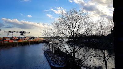 Emmerich, Blick auf den Containerhafen