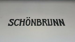 Schonbrunn train station