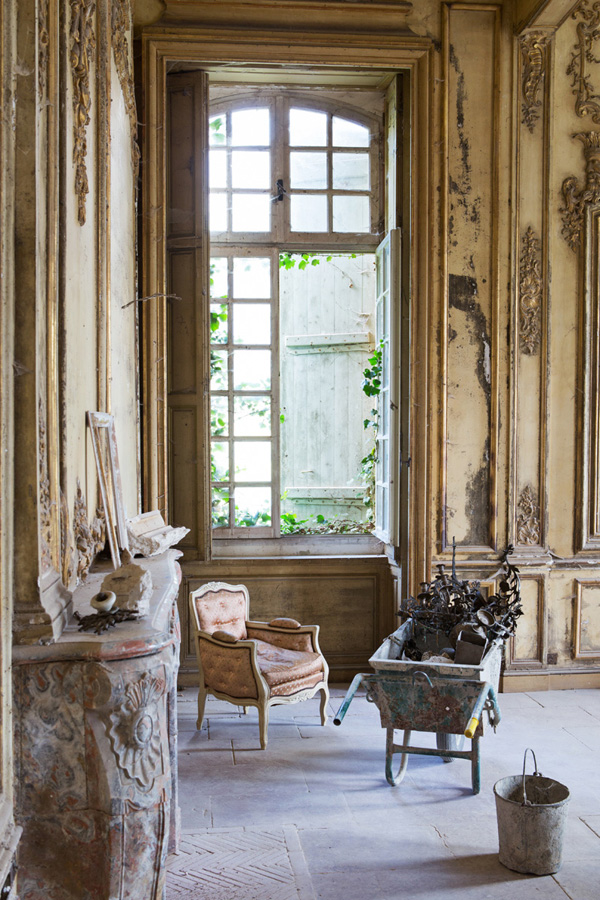 French interior room with fireplace in Chateau de Gudanes