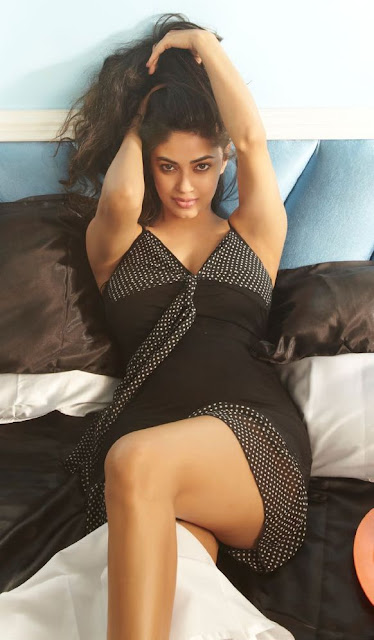 Meera Chopra Hot FHM Magazine photo shoot for July 2013 Issue