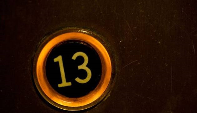 Inilah Alasan Kenapa Angka 13 Jarang Digunakan di Lif Hotel
